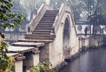 石拱结构响水桥 石石相连技艺高