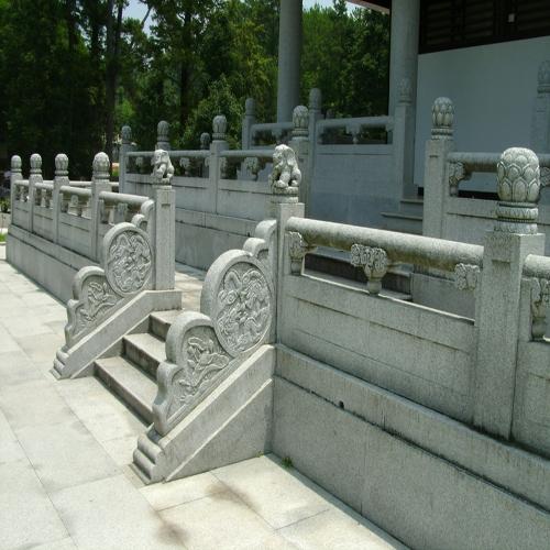 石雕栏杆是寺庙古建的重要组成部分