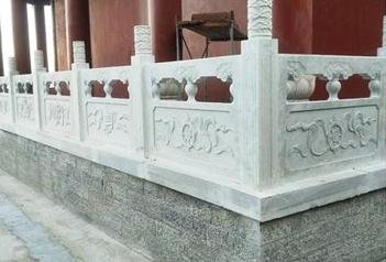 望柱即栏杆柱有传统花纹浮雕 石材栏杆常见搭配装饰