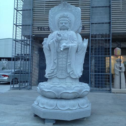 三面观音雕像